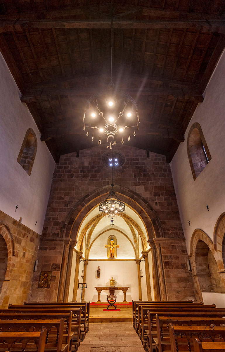 Interior de Santa María de la Oliva